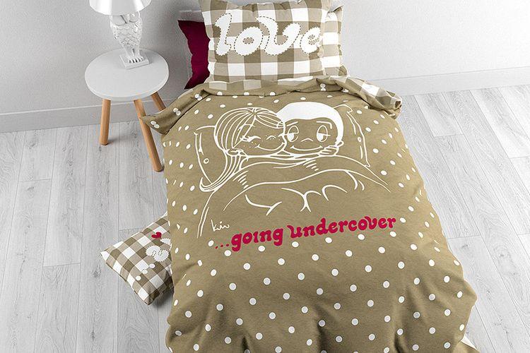 housse de couette love is taupe 140 x 200 housse de couette 100 coton love is 140 x 200. Black Bedroom Furniture Sets. Home Design Ideas