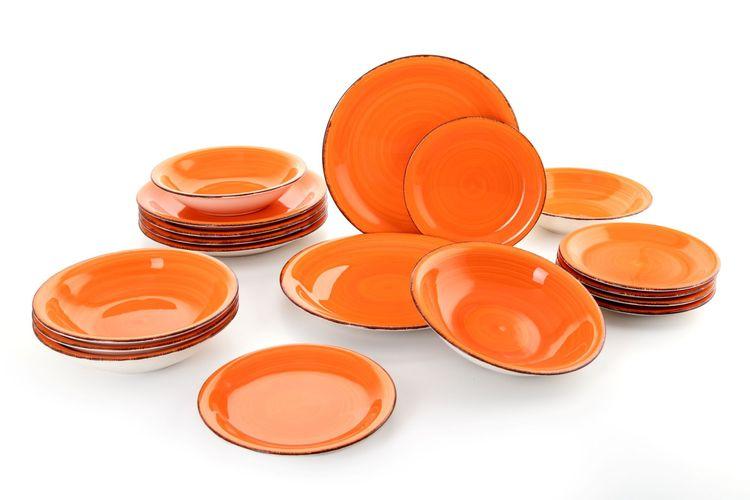 18-delige bordenset van Quid (collectie: Vita Orange)
