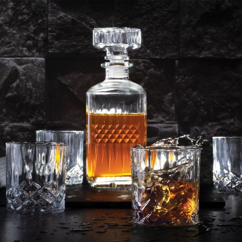 Whiskey karaf en 4 glazen van Berlinger Haus