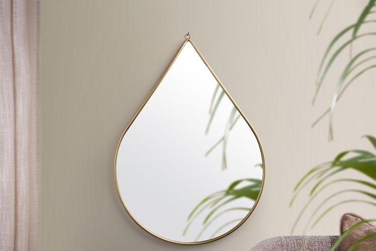 Grote druppelspiegel van Lifa Living (model: Anna)