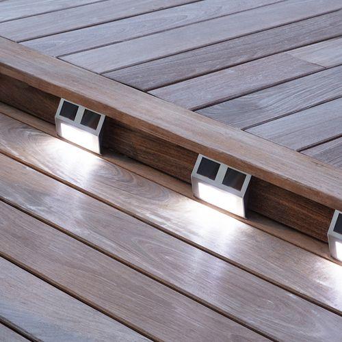 4 led-buitenlampen op zonne-energie