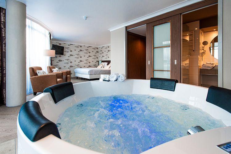 Ultiem ontspannen in Whirlpool Suite Van der Valk Almelo