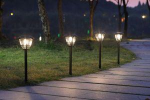 4 lanternes solaires extérieures Hyundai (55 cm)