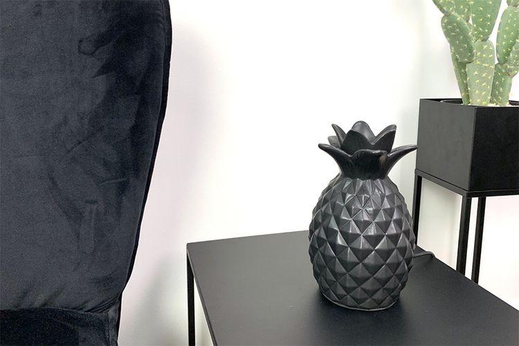 Zwarte ananas-tafellamp van keramiek (12 x 20 cm)