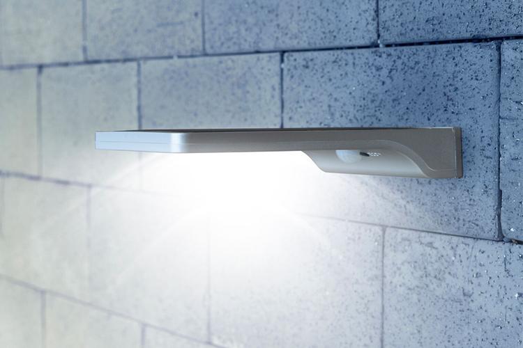 Dunne solar buitenlamp met bewegingssensor van Hyundai