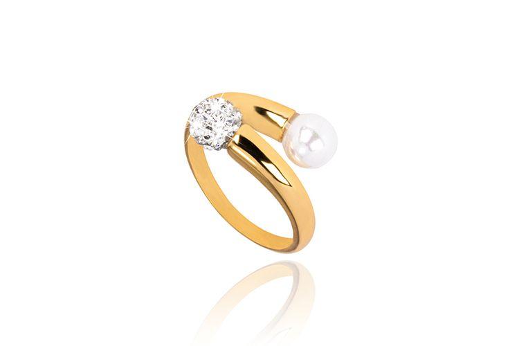 Vergulde ring met zoetwaterparel en Oostenrijks kristal