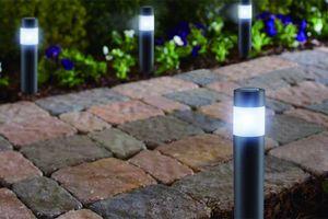 Jeu de 4 lampes de jardin