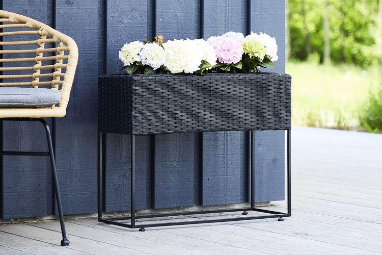 Outfit plantenbak van zwart rattan (66 cm hoog)