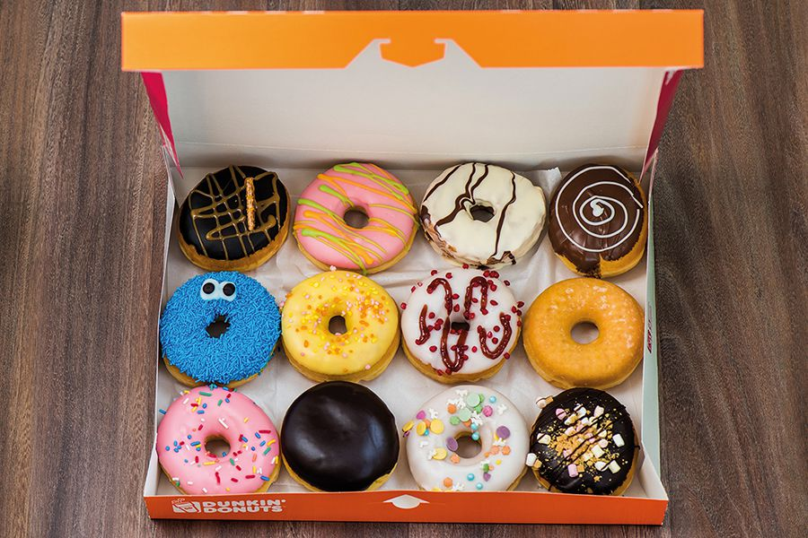 12 Dunkin' donuts + 2 liter ijs van Baskin Robbins