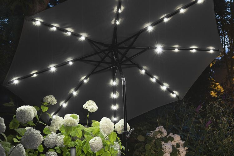 Zwarte parasol met led-verlichting van Lifa Garden