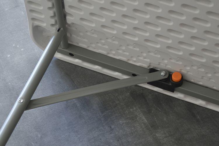 table pliante table pliante pour l int rieur et l. Black Bedroom Furniture Sets. Home Design Ideas